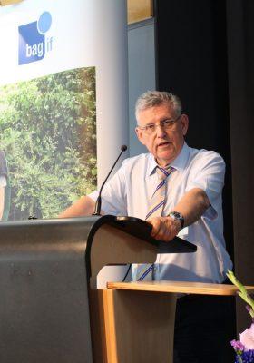 Dr. Fritz Baur als Vorsitzender der bag if bestätigt